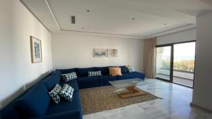 Sunny apartment with sea view